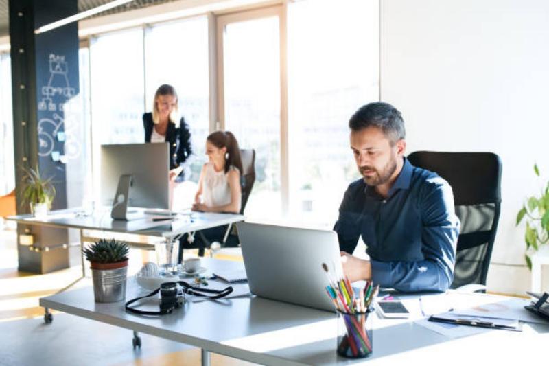Firma turkusowa – jak ją prowadzić_ Jak zarządzać zespołem_ Blog o prowadzeniu firmy _